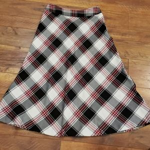 East 5th Plaid Calf length skirt Size 8